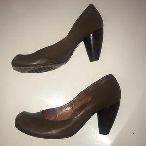 Chie Mahara 10.5 women's leather heels block puter